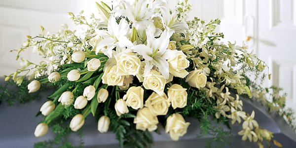 funeral-flowers-memorial-service-ideas